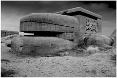IJmuiden, fortresses (6) (H. Bos) Tags: beach museum marine fort bunker fortress batterie worldwar2 fortresses tweede ijmuiden wereldoorlog noordzeekanaal küsten forten festungijmuiden heerenduin vestingijmuiden
