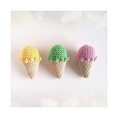 Vainilla, pistacho, frutilla. (~ tilde ~) Tags: crochet icecream juguetes helados pretendplay ganchillo mypattern imademyself