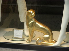P6130013 (Akieboy) Tags: paris france window statue cat store display panther avenuemontaigne