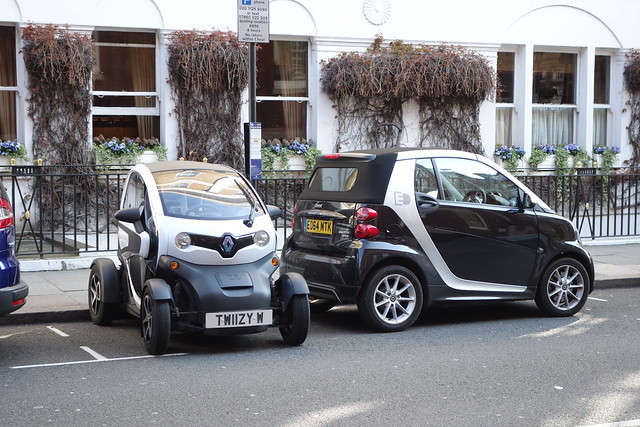 smart fortwo electricvehicles electricdrive renaulttwizy