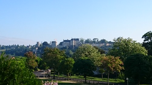 La forteresse de Chinon vue depuis l'Ibis