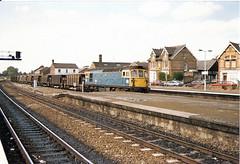 33102 Taunton (British Rail 1980s and 1990s) Tags: br britishrail class33 33102 33 train rail railway station diesel loco locomotive freight railfreight 1980s 80s sulzer type3 eighties livery trains brcw liveried blue wr westernregion traction railways