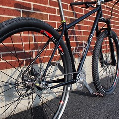 Another shot Dustin's 29er #singlespeed thanks @fatjimmysoutfitters for letting use their lot.