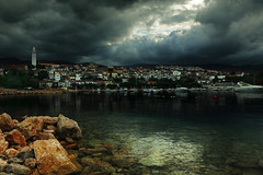 (tozofoto) Tags: europe croatia tozofoto canon sky clouds storm stormy lights shadows summer summertime water adria adriatic rocks oldcity beach travelling travel holiday houses windows roofs church architecture sea kvarner harbor weather