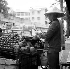 Peeling (mteckes) Tags: hasselblad 500c bw kodak kodaktrix trix ziessplanar80mm28 zeiss saigon hochiminhcity vietnam film blackandwhite monochrome