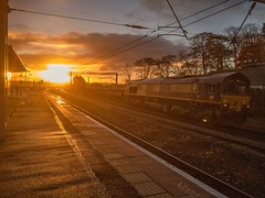 Carstairs Daybreak (Steven Atkinson) Tags: sunrise shed coils steel cargo db carstairs mossend cardifftidal 6s16 66018