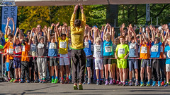 Put your hands up in the air! (Bart Weerdenburg) Tags: maliebaan maliebaanloopsport warmingup sport run athletes sportsphotography utrecht running runners