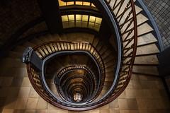 Meberghof (Elbmaedchen) Tags: staircase treppenhaus stairs roundandround helix kontorhaus mesberghof wendeltreppe