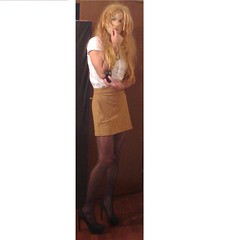 Blondie (Julia Cool) Tags: pantyhose tights hosiery stockings nylon transgender tgirl heels julia cool collant calze strumpfhosen sissy trap transvestite amateur transgenderpantyhose juliacool highheels