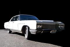 1966 Buick Electra (Curtis Gregory Perry) Tags: auto door white car sedan four buick automobile 4 mobil 1966 66 motor electra automvil xe automobil     samochd  kotse  otomobil   hi   bifrei  automobili   gluaisten
