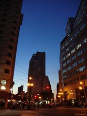 Anoitece (Gall Freitas © Photography) Tags: people building night avenida gal paulo avenue são joão sinal gall freitas mygearandme mygearandmepremium gallfreitas
