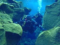 Diving Silfra 2