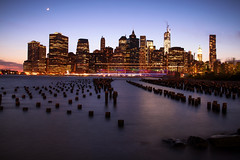New York (Arnaud Vanderplancke) Tags: usa newyork unitedstates manhattan 28 bluehour tamron1750mm canoneos7d arnaudvanderplancke