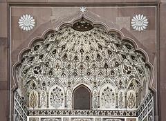 Masjid Entrance (Azarbhaijaan) Tags: door flowers windows floral curves arches architect marble lahore arabis baghdadi muslimart pakistaniphotographer pentaxk10d azharmunir drpanga