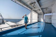 contemplazione 2.jpg (qbetto.com) Tags: ferry boat mare campania sigma 8mm grandangolo viaggio salerno sicilia turisti traghetto ultrawideangle contemplazione