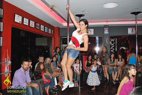 """Inauguración Elektra Pole Dance • <a style=""""font-size:0.8em;"""" href=""""https://www.flickr.com/photos/79510984@N02/16992675153/"""" target=""""_blank"""">View on Flickr</a>"""