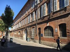 farbojo Toulouse 2016 (farbojo Photography) Tags: toulouse rue capitol église place ruelle route maison bâtiment véhicule mairie placeducapitole bâtiments basiliquesaintsernin