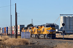 UP ZNPOA-23 (caltrain927) Tags: union pacific railroad loaded intermodal double stack container train ge et44ac c45ah tier 4 gevo ac ac45ccte c45accte emd sd70m wp seachlight searchlights uss wayside signal signals ortega stockton california ca