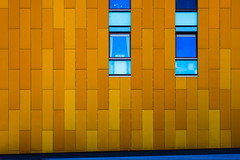 Orange wall (Maerten Prins) Tags: nederland netherlands breda wall orange yellow window lines straight street abstract geometry geometric bright pattern gold golden minimal minimalism
