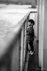 Bon Voyage (Mario Rasso) Tags: mariorasso nikon d810 nikond810 seoul seul korea southkorea corea coreadelsur blackandwhite blackwhite asia boy flickrunitedaward
