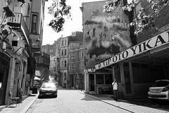 Street, Istanbul Turkey (mafate69) Tags: europe turkey turquie istamboule istanbul rue reportage street streetshot streetlevelphoto candid city nb noiretblanc blackandwhyte bw documentaire documentary photojournalisme photoreportage photojournalism urban urbain moyenorient midleeast mafate69 ferner balat streetart