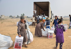 """We have nothing, just the clothes on our back"" (DFID - UK Department for International Development) Tags: iraq iom internationalorganisationmigration mosul humanitarianaid ukaid shelter displacedpeople idps daesh humanitarianpreparedness camps idpcamps irak"