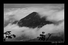 Monte San Giuseppe - Colli Euganei (Matteo Gemetto) Tags: collieuganei fog nebbia veneto italia valnogaredo padova san giuseppe canon 5d markiii tamron sp 70200 f28 padua blackwhite blacknwhite photoshop totalphotoshop matteogemettoit matteo matteogemetto eos bw italy