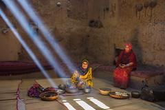 Oman 2016 (d.vanderperre) Tags: middleeast arabwomen bedouin bedouinwoman oman alhamraoman rayoflight light al hamra traditional life middle east