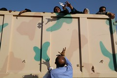 عمليات الاغاثة وتقديم المساعدات الى العوائل النازحة من مختلف قرى ومناطق محافظة #نينوى (10) (جمعية الهلال الاحمر العراق) Tags: نينوى مساعداتانسانية مساعدات موصل
