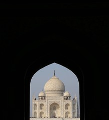 Good Old Taj (Alex L'aventurier,) Tags: tajmahal india inde architecture framing cadrage marvel merveille palais mausole shhjahn unesco mausoleum crownofpalace