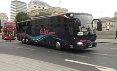 HH ET 1633, Trafalgar Square, London, 20/09/16 (aecregent) Tags: londonbuses2016 trafalgarsquare london 200916 elite elitehamburg mercedes tourismo hhet1633 taiaxle