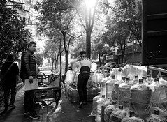 water belly (Rob-Shanghai) Tags: belly waterbottle waterboy water shanghai china street leicaq leica people