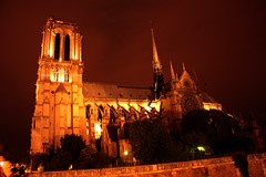 Notre Dame de París (Almu_Martinez_Jiménez) Tags: parís paris francia france belleza luz lught notredame torreeiffel opera