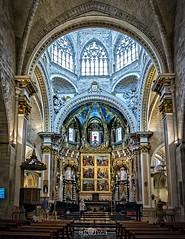 Catedral de Valencia (AGONZA) Tags: templo valencia arquitectura arte catedral monumento edificio interior vestbulo pasillo bveda arco