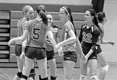 IMG_7391-01 (SJH Foto) Tags: school girls blackandwhite bw white black club high team age volleyball cheer huddle synergy monocolour