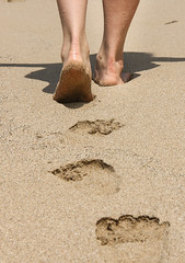 three hundred and sixty degrees (Phuantastic) Tags: shadow summer vacation holiday feet beach hurts sand sad path taiwan footprints footsteps