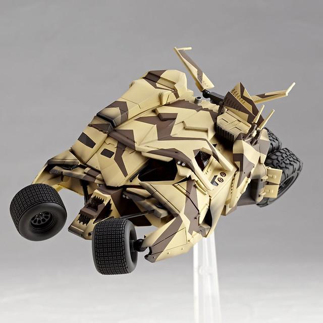 海洋堂 特攝 REVOLTECH No.047 Batmobile Tumbler Cannon