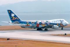 All Nippon Airways | Boeing 747SR | JA8139 | Snoopy livery | Osaka Kansai (Dennis HKG) Tags: plane airplane ana airport aircraft peanuts nh snoopy osaka boeing kansai boeing747 747 kix planespotting allnippon allnipponairways rjbb 747sr boeing747sr ja8139