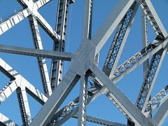 girder web (Jef Poskanzer) Tags: bikepath geotagged baybridge geo:lat=3781545 alexanderzuckermannbikepath geo:lon=12235763