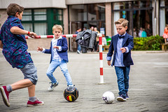 Exclusion (Kevin Nasarre Krols Fotografía) Tags: playground sadness football action chldren