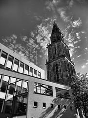 Martini Toren Groningen (jo.misere) Tags: kerk toren tower church groningen old new oud nieuw bw zw