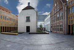 Stadskantoor Deventer (Hans van Bockel) Tags: architectuur binnenstad city d7200 dng deventer hdr ijssel nef nikon photoshop raw stad stadhuis stadskantoor pano panorama binnenplaats raadszaal bode landshuis restauratie architecture