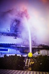 lmh-rundtjernveien119 (oslobrannogredning) Tags: bygningsbrann brann brannvesenet brannmannskaper slokkeinnsats brannslokking brannslukking røykdykker røykdykkere røykdykking