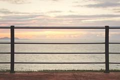 Para todo lo dems, Mastercard (Itziar Aio) Tags: sea fence atardecer mar valla momentomgico