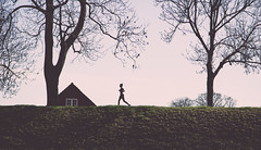 just do it (FREISTELLEN) Tags: street people copenhagen denmark star spring streetphotography run danish jogging dnemark kopenhagen jogger frhling fortresses kastellet kobenhavn festung kastell strase strassenfotografie strasenfotografie