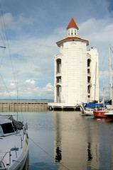 Lighthouse at Straits Quay (ShambLady) Tags: light sea food lighthouse house tower marina mall shopping harbor seaside waterfront view wine o harbour centre side beverage center front quay e malaysia promenade penang dine straits tanjung seri tokong winkelcentrum maleisi winkelen