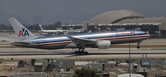 Touchdown, American Airlines Boeing 777-200ER@LAX, CA (Jet A-1 Aviation Photography) Tags: plane los angeles jet american boeing lax airlines 777 777200er losangelesinternational