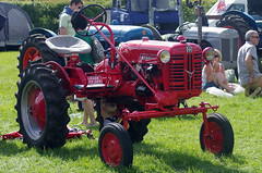 Vintage Tractor (MalB) Tags: cambridge tractor pentax k5 farmmachinery therestaurantattheendoftheuniverse vogonpoetrygraduate cambridgeshirecountyshow