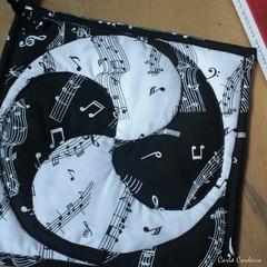 mandala em patchwork (Carla Cordeiro) Tags: mandala pb livro patchwork tessellation potholder curva tcnica   cantomitrado costuraemcurva
