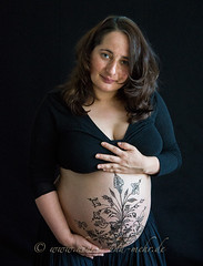 Bodypainting with khidab on a pregnant belly (olga_rashida) Tags: berlin art painting kunst bodypainting mehendi bodyart mehndi tatuaggio hennatattoo schwanger pregnantbelly mehandi krperbemalung mehndidesign  lacca naksh peinturecorporelle khidab hennadesign  enceint hennamalerei tatouageauhenn hennabemalung kunstamkrper httpwwwhennaundmehrde bemalungmitkhidab